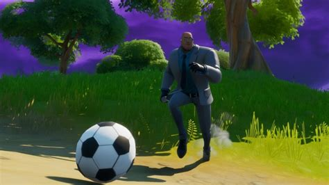 Fortnite Meowscles Mischief: How to kick a soccer ball 100