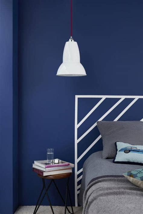A fresh shade of blue: velvety sofas, classic china and