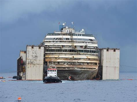 Costa Concordia: Cruise ship towing delayed by final
