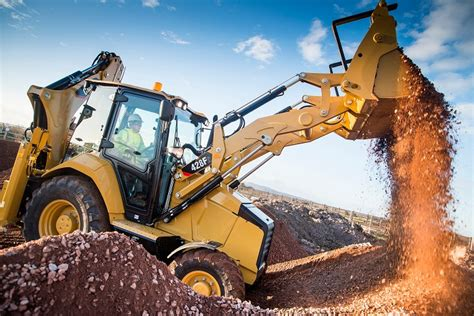 The Right Caterpillar TLB for the Job - Truck & Trailer Blog