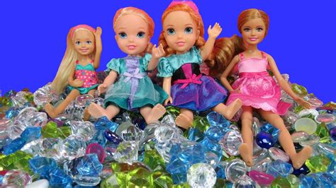PLAYING in GEMS! ELSA & ANNA toddlers, Stacie & Chelsea in
