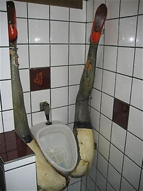 The 35 Coolest Toilets In The World - pooo