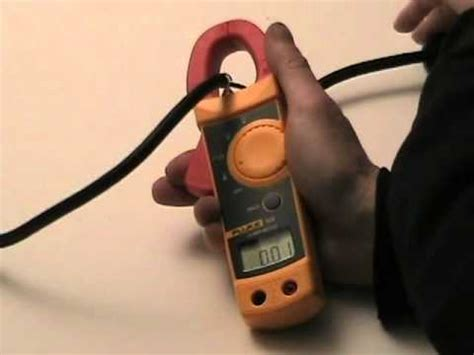 How-To use a clamp-on ammeter - YouTube