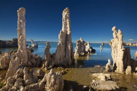 Unusual Rock Formations from Around the Globe (25 pics