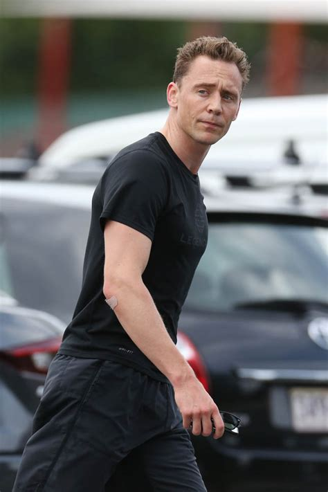 Tom Hiddleston goes for a run in Australia while Taylor