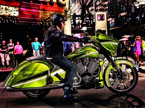 2015 Victory Magnum Introduced to the World - autoevolution